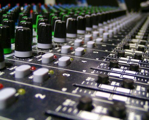 analoge und digitale Audio Mischpulte mieten Berlin und bundesweit